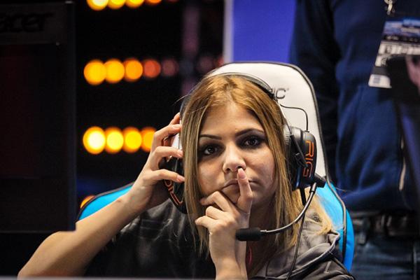 Zainab Turkie zAAz - İsveçli profesyonel bayan CS: GO oyuncu